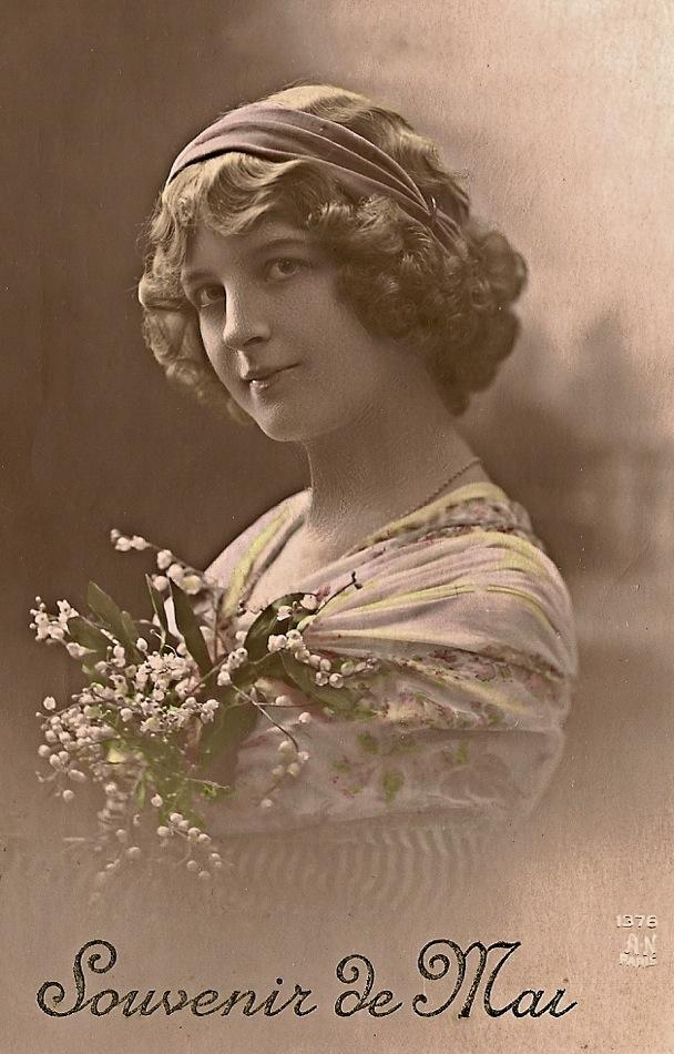 1 mai 1912, Bons baisers pour toi, bonjour à tous.Affranchie de la célèbre semeuse, 10 centimes.