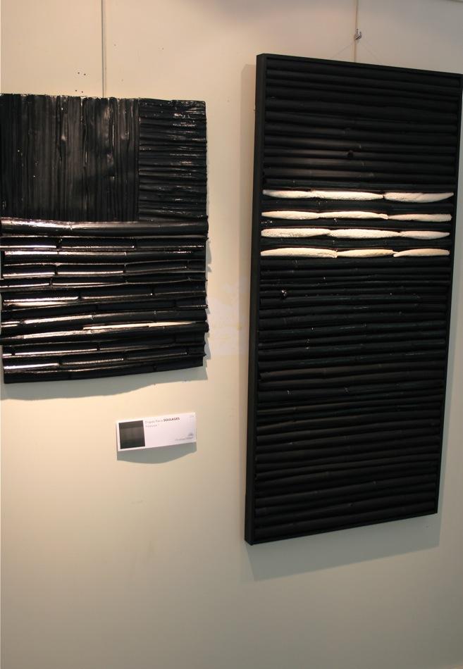 Le  célèbre noir de Soulages : Bambous et Pandanus sèchés teints en peinture brillante et mat, alternativement.  Christiane Herbiet