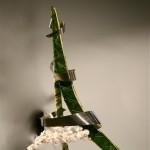 Tour Eiffel stylisée pour la France, recouverte de feuilles d'Aspidistra, orchidées Phalaenopsis. Solange Louchène et Jeanne Rehbinder.