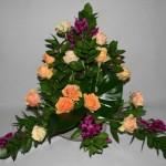 Le bouquet peut être réalisé uniquement en feuillages choisis pour leurs différentes textures et couleurs.