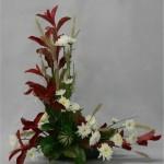Le port dressé du feuillage de photinia est apprécié pour structurer les bouquets.