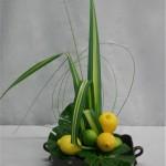 Les feuilles de Pandanus sont utilisées de façon naturelle ou pliées pour obtenir de savantes angulations.