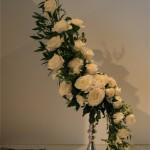 Le bouquet est dessiné ici avec du Laurier d'Alexandrie sur un bougeoir. Concours Cannes 2008.
