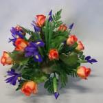 Une harmonie de couleurs complémentaires composent un bouquet contemporain.