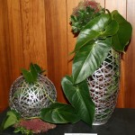 Misako Wakayama, jeu de feuilles d'anthurium sur deux supports végétaux