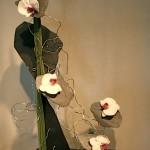Eclats d'ardoises et fleurons de Phalaenopsis.
