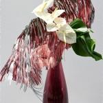 Concours de Mazamet 2012 (Tarn). Fleurs et carton. Anthuriums sur dentelle de carton.