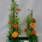 Solidagos et dahlias composent un bouquet aux couleurs d'automne.