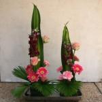 Un jeu de 3 fleurs différentes apportent vivacité et éclat aux feuilles.